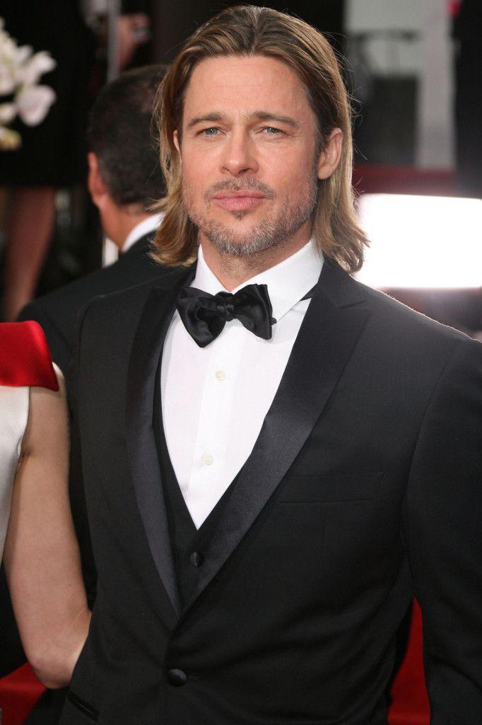Brad Pitt black suit white shirt long hair golden globes   Long hair ...