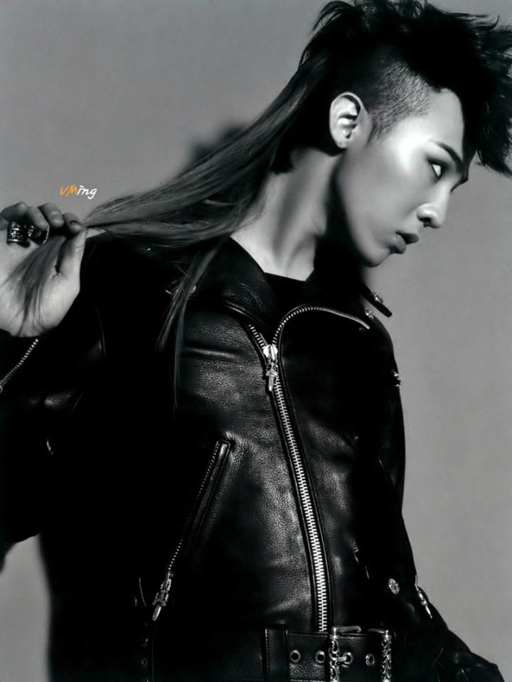 Even a mullet looks good on him... what the crap GD ...