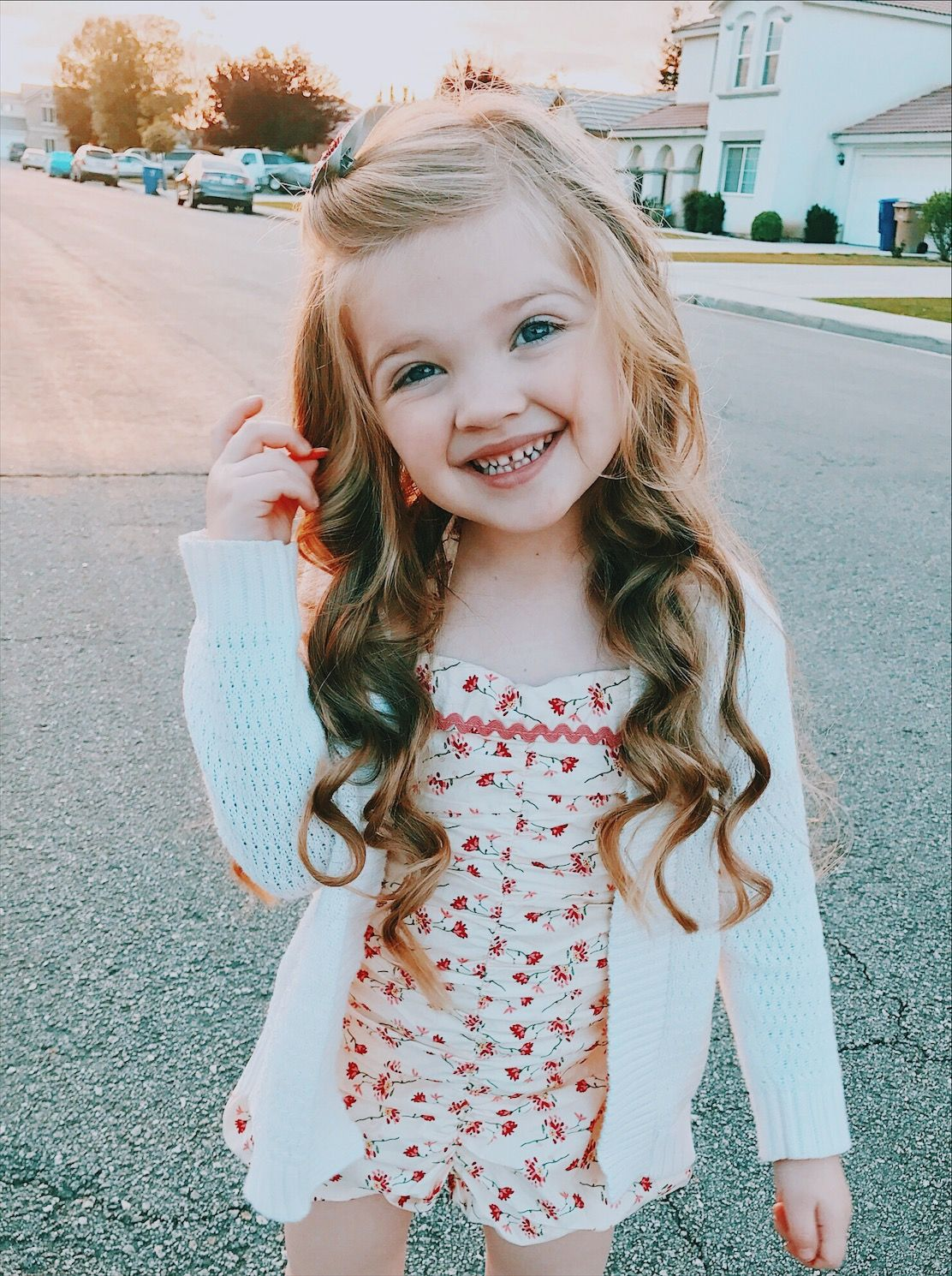 Little Girls Nails And Girls On Pinterest: Little Girl Hairstyle Long Hair Curls Curled Wavy Beach