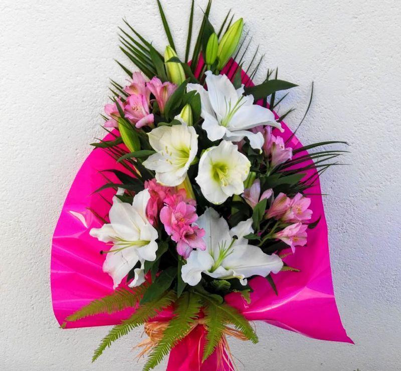Envío De Ramos De Flores Económicos A Domicilio Ramos De Flores Arreglos Florales Para Cumpleaños Arreglos Florales Elegantes