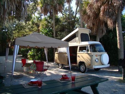 Florida Oldschool Campers - VW Camper Rentals - St Petersburg