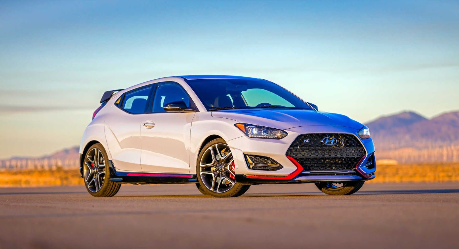 Hyundai Praises Its Veloster N Starts A War With Vw After Dishing