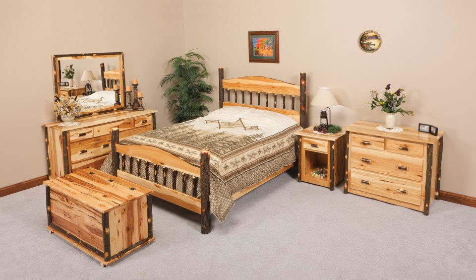 Rustic bedroom set, Amish handcrafted furniture Bears in the