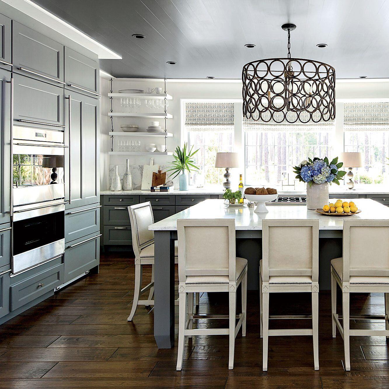 Palmetto Bluff Idea House Photo Tour In 2020 Southern Living Kitchen Southern Living Homes Kitchen Remodel