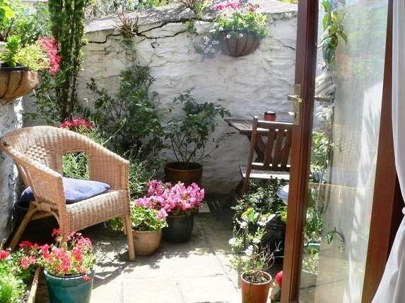 Tiny Courtyard Garden Courtyard Garden Backyard Garden Design