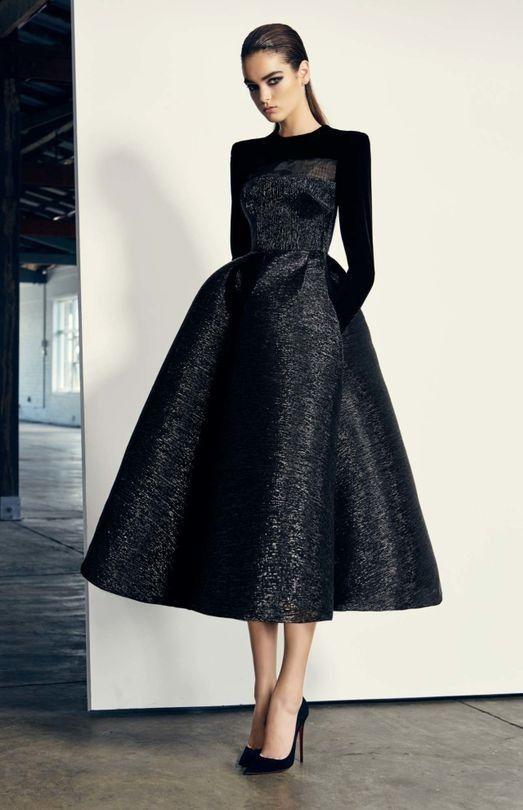 33 Süße Mittellange Abendkleider Modelle 2019 #Abendkleider #abendkleider2019 #abendkleidermodelle2019 #mittellang Source by gantajg #sheer dresses black