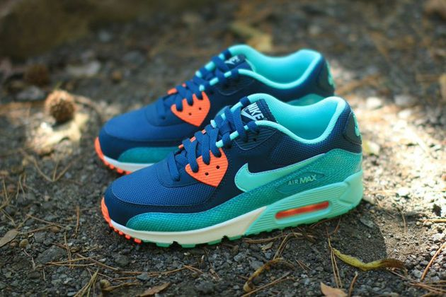 8b37518510ab Nike Air Max 90 WMNS - Space Blue   Hyper Turquoise - Dusty Cactus ...