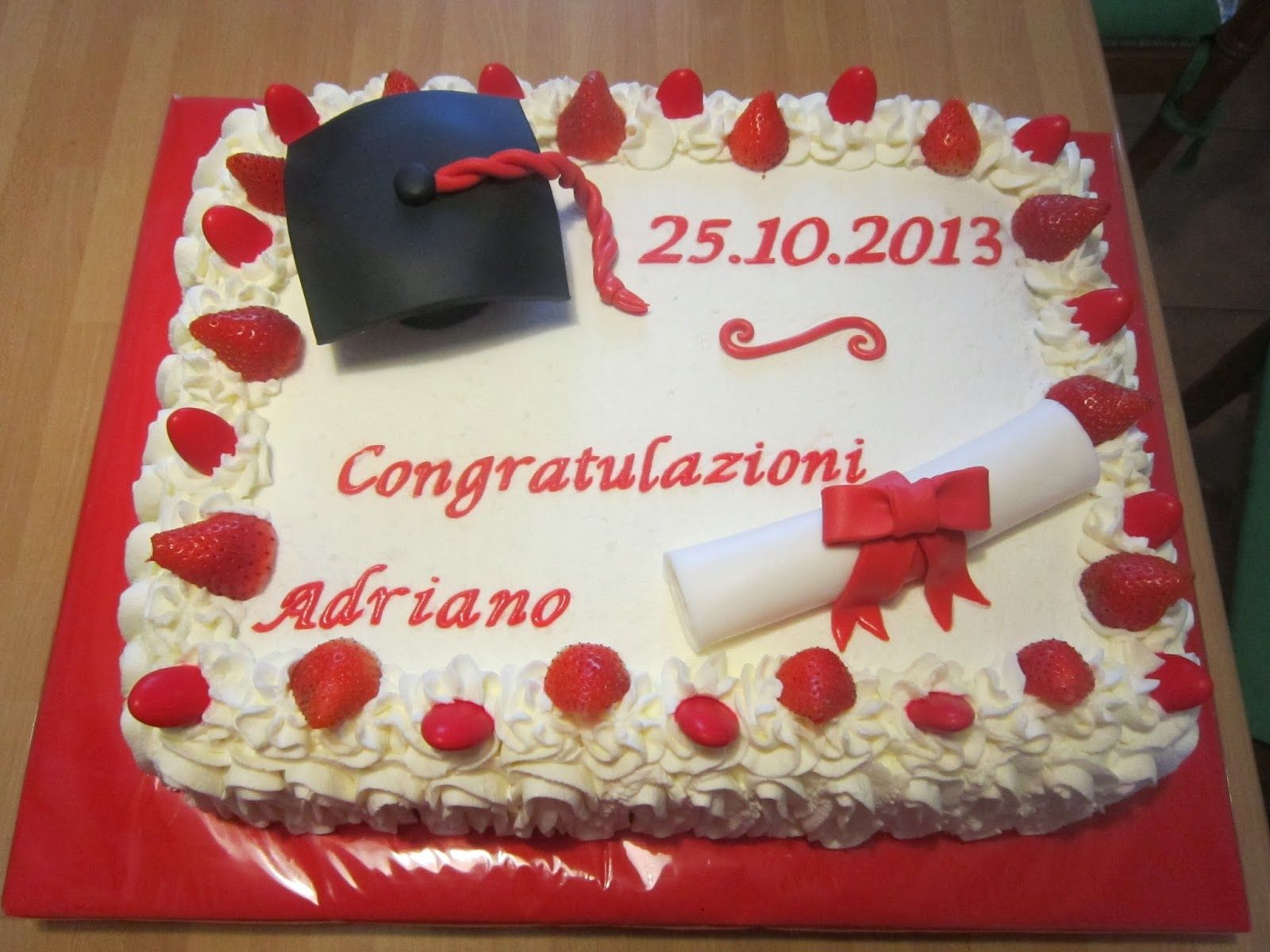 Torta laurea food ideas pinterest food ideas for Decorazioni di torte per laurea