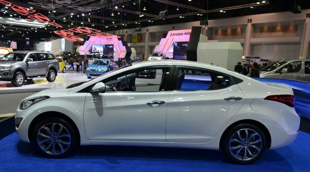 Hyundai Launched Its Elantra Facelift In India Variants Details Product Launch India Automobile