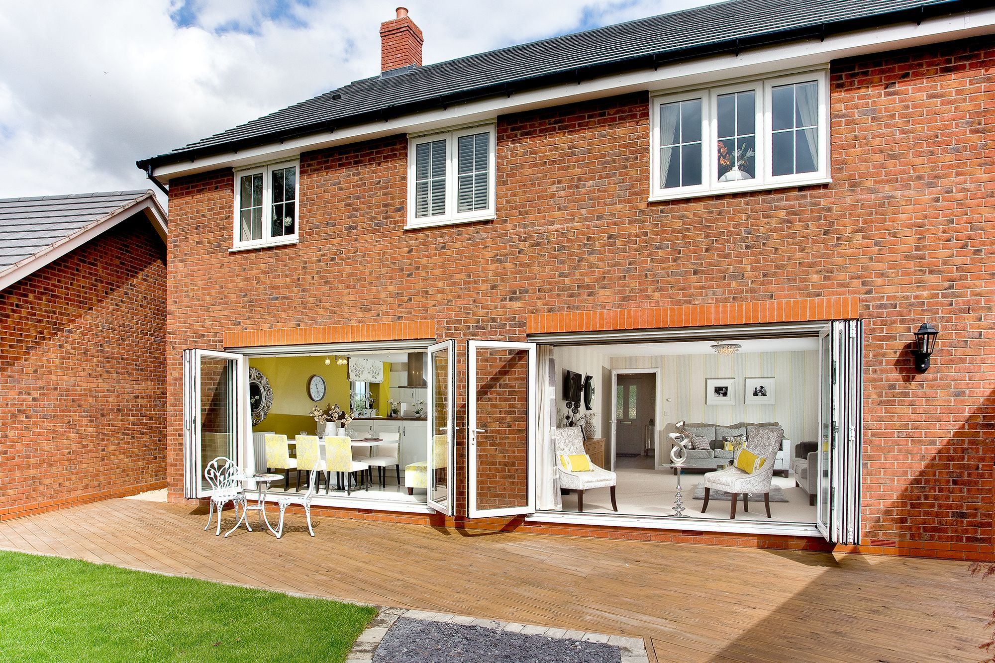 Patio Area Of The Winchester At Brookfields In Inkberrow   Bovis Homes