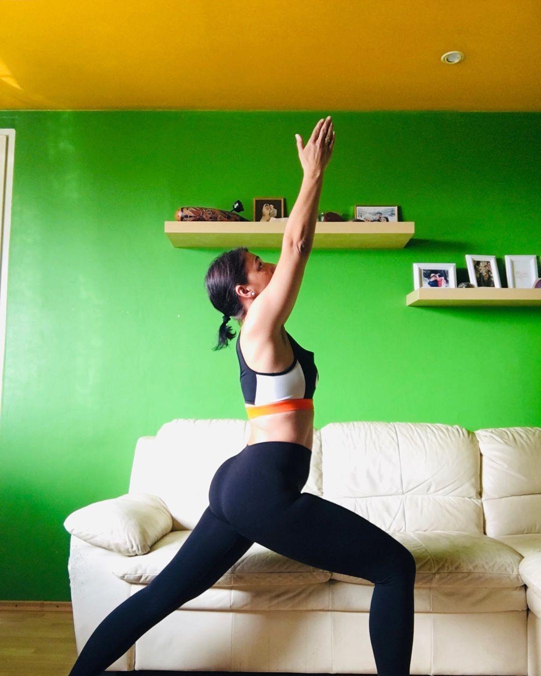 20 Yoga-Posen für Anfänger für Flexibilität - #ANFÄNGER #Flexibilität #für #Yoga #yogabenefits #yogaclothes #yogaforbeginners #yogainspiration #yogalifestyle #yogameditation #yogaposes #yogaposesforbeginners #yogaworkout #YogaPosen