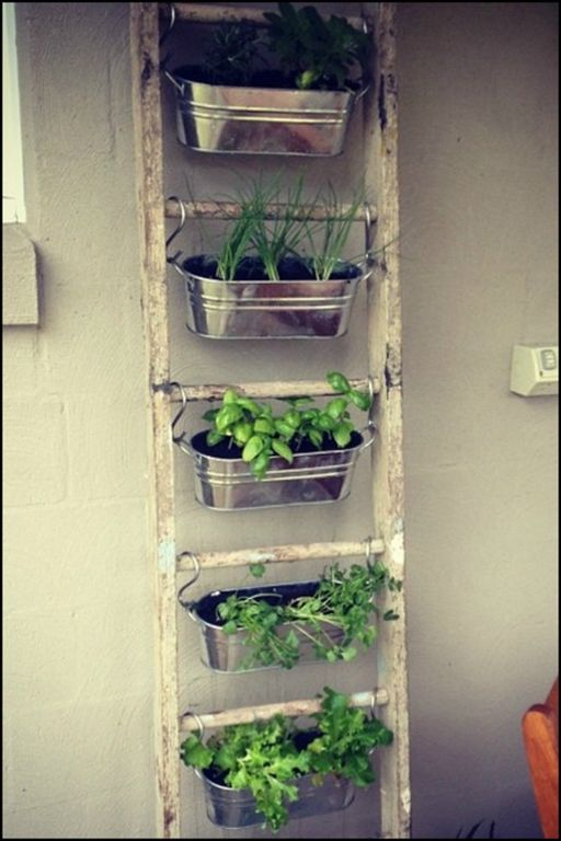 container herb gardens and other herb garden ideas m bel pinterest kr uterleiter balkon. Black Bedroom Furniture Sets. Home Design Ideas