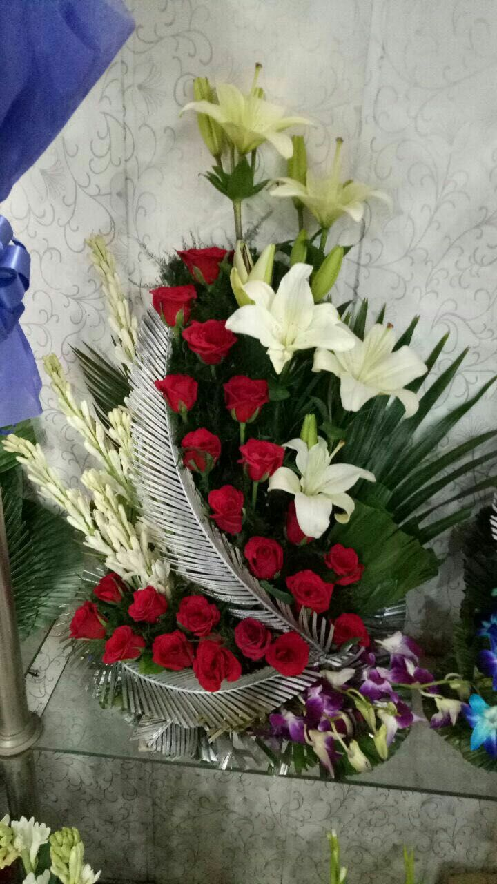 Online Flowers Delivery In Mumbai Send Cakes And Flowers To Mumbai