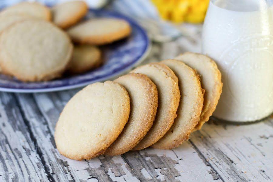 Grandmas Amish Cookies cookie and easy