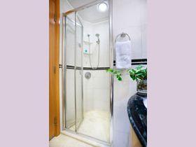 Standard Room & Harbour View Room washroom - Metropark Hotel Causeway Bay Hong Kong