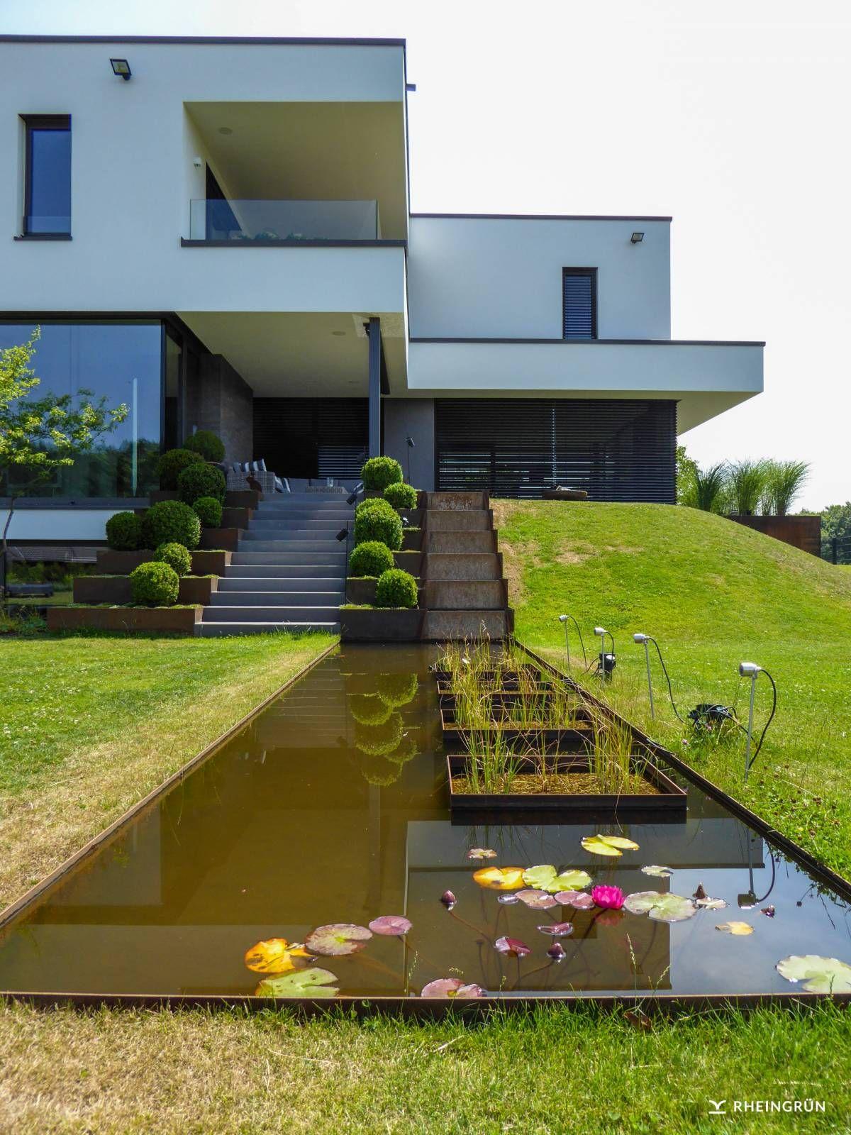 Appealing Gartengestaltung Hang Reference Of Minimalistische Am Mit Wasserbecken Aus Cortenstahl Und