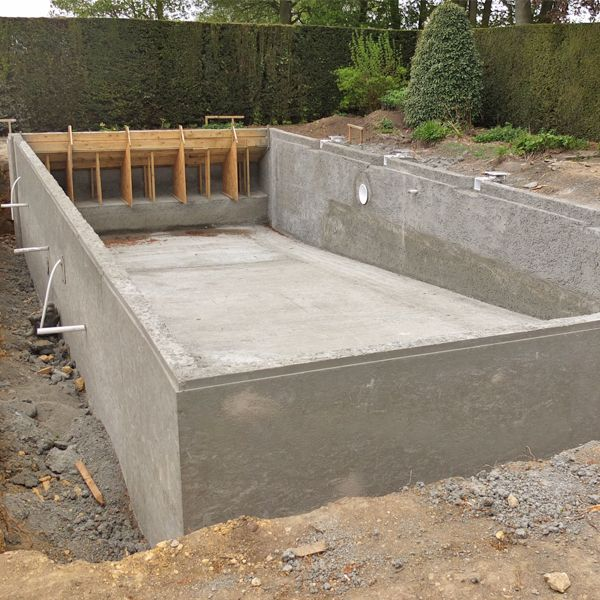 Concrete swimming pool shell complete awaiting render tile for Concrete pool construction