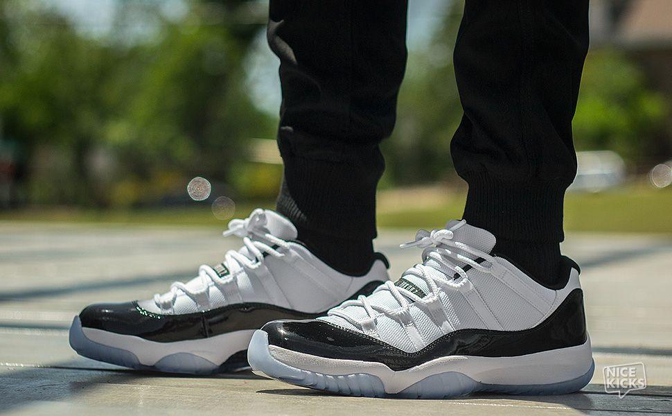 jordan low cherry Pas Chaussures cher on air 11 feet qUMVpGSz