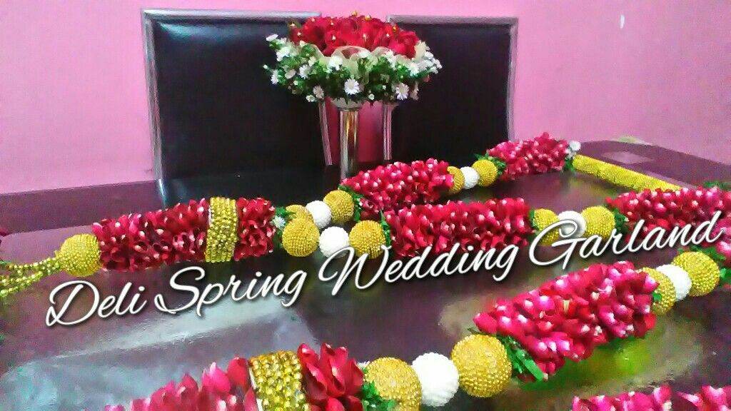 Special Promotion Wedding Garland Set Rm550 Complete Only For Pinterest Users And Followers Call Suman Garland Wedding Indian Wedding Garland Spring Wedding