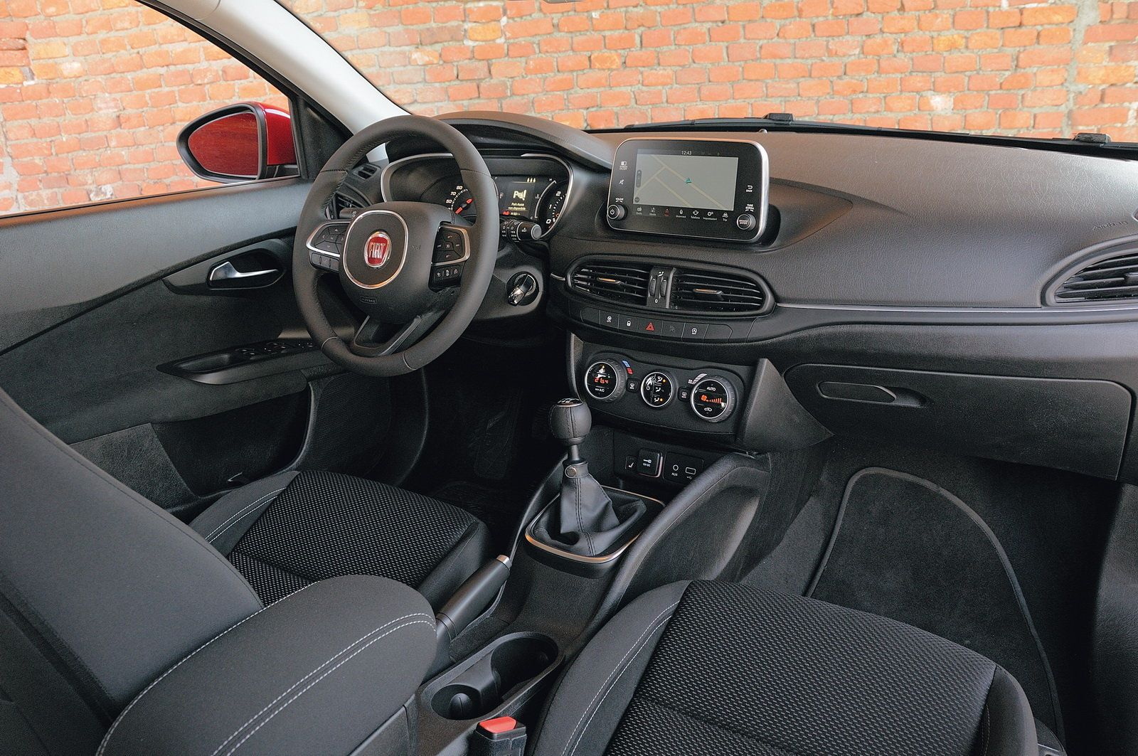 2016 fiat tipo 5 door interior fiat tempra tipo pinterest fiat and cars - Fiat tipo interior ...