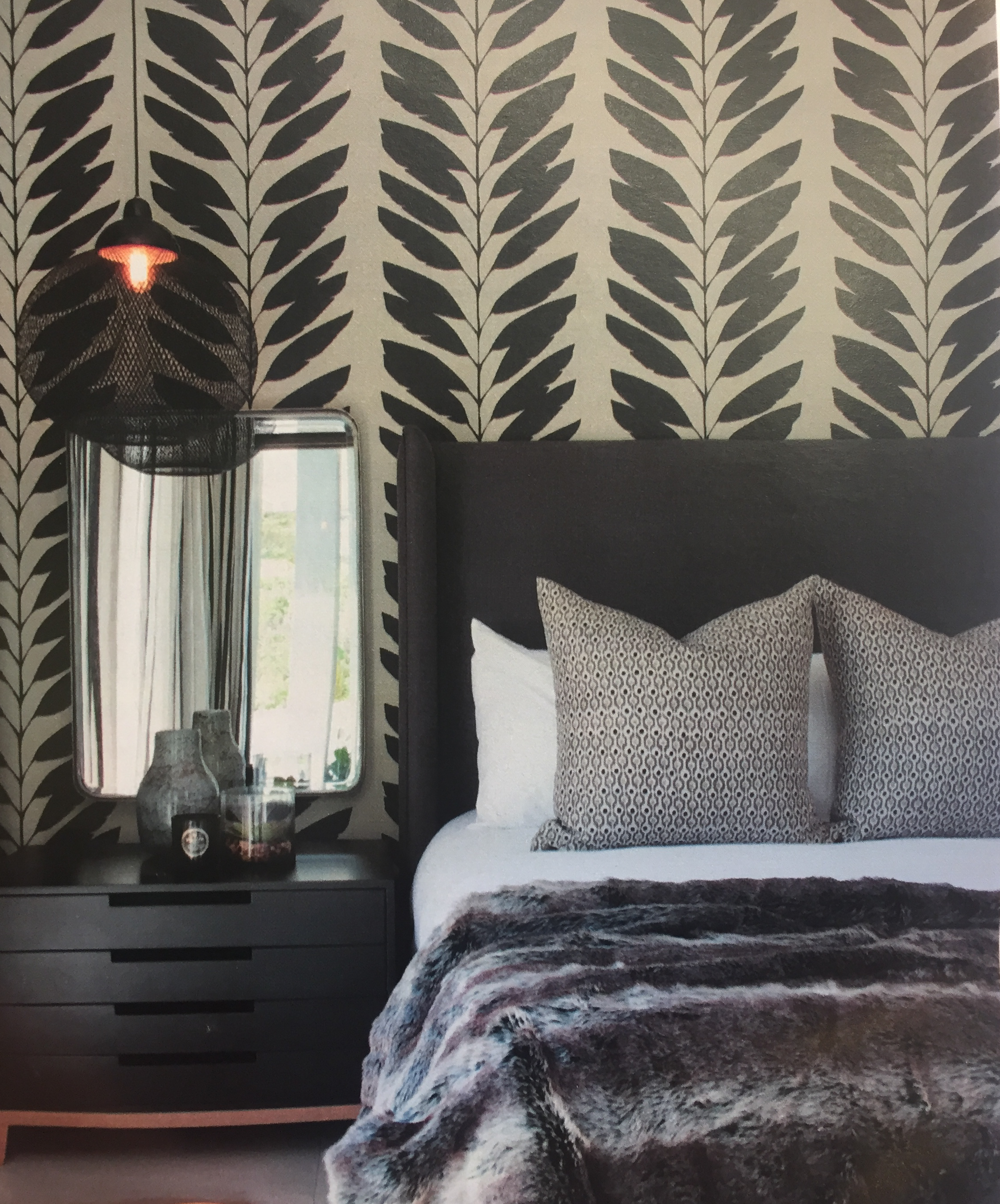 Best Bold Wallpaper Makes A Statement In This Bedroom Home 400 x 300