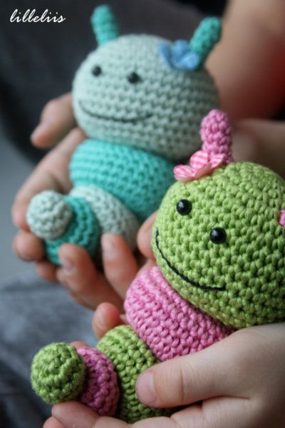 Caterpillar rattles for babies | Pinterest | Häkeln, Kuscheltiere ...