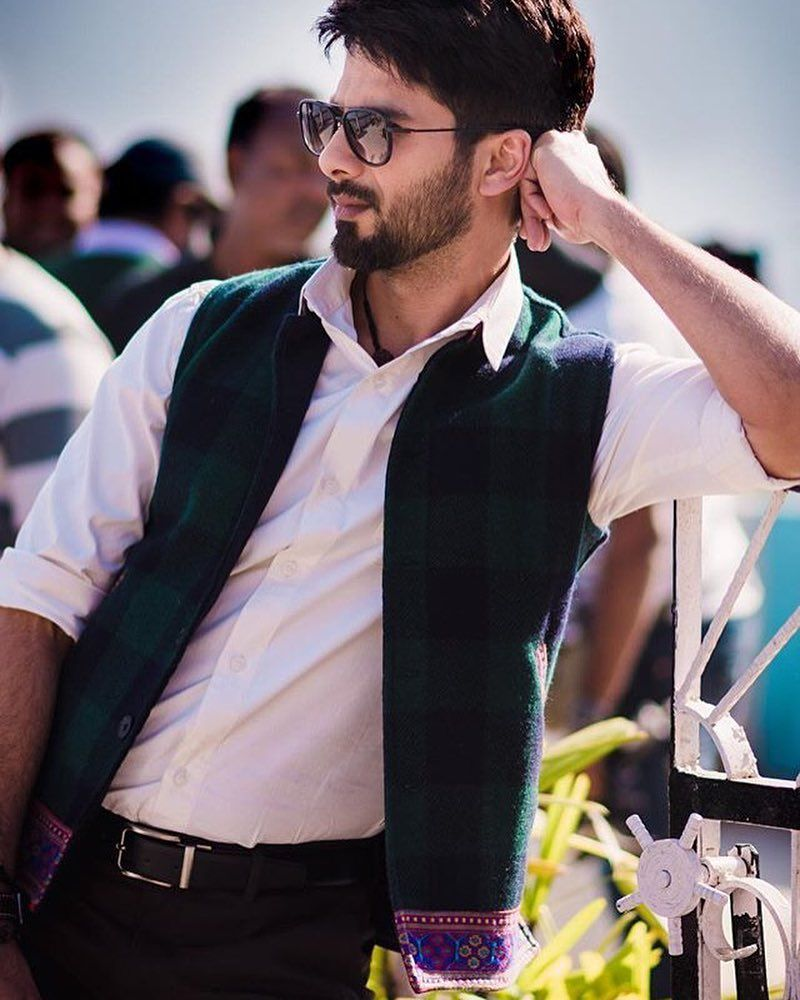Pin By Candy On Acterrs In 2019 Shahid Kapoor Bollywood