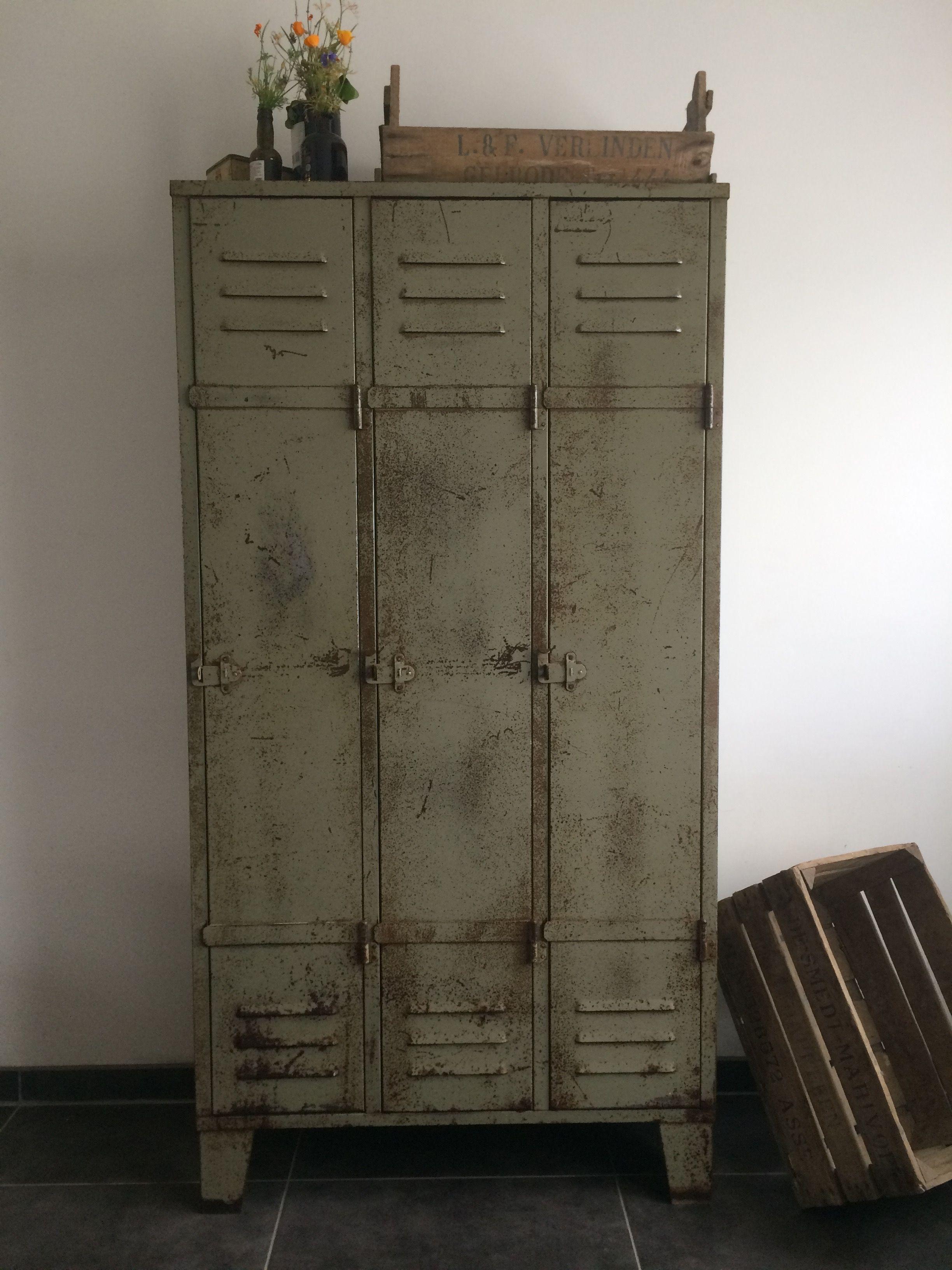 pin locker bookshelf een geweldige pinterest met meubels mooie patina