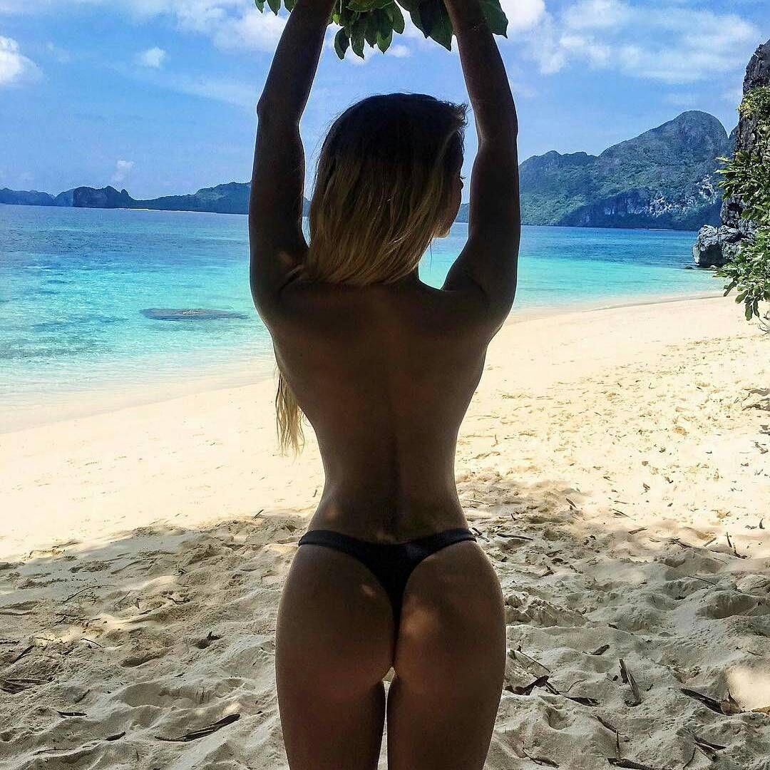 Nude lesbian girls sucking tits