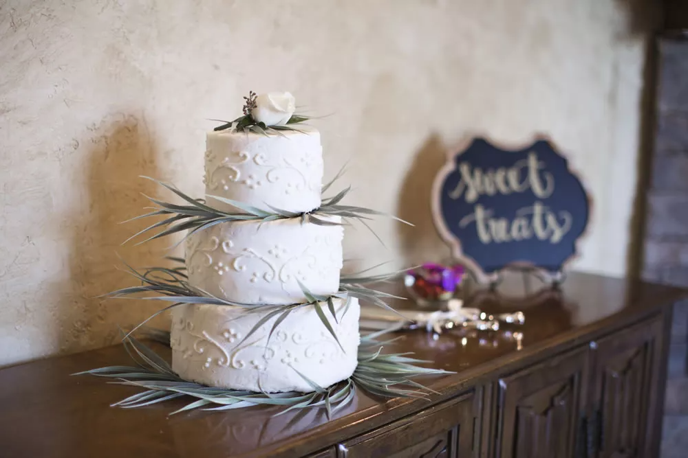 60 Of The Best Wedding Cake Designs In Perth 2020 Perth Wedding Cake Inspiration Wedd Cool Wedding Cakes Classic Wedding Cake Custom Wedding Cake Toppers