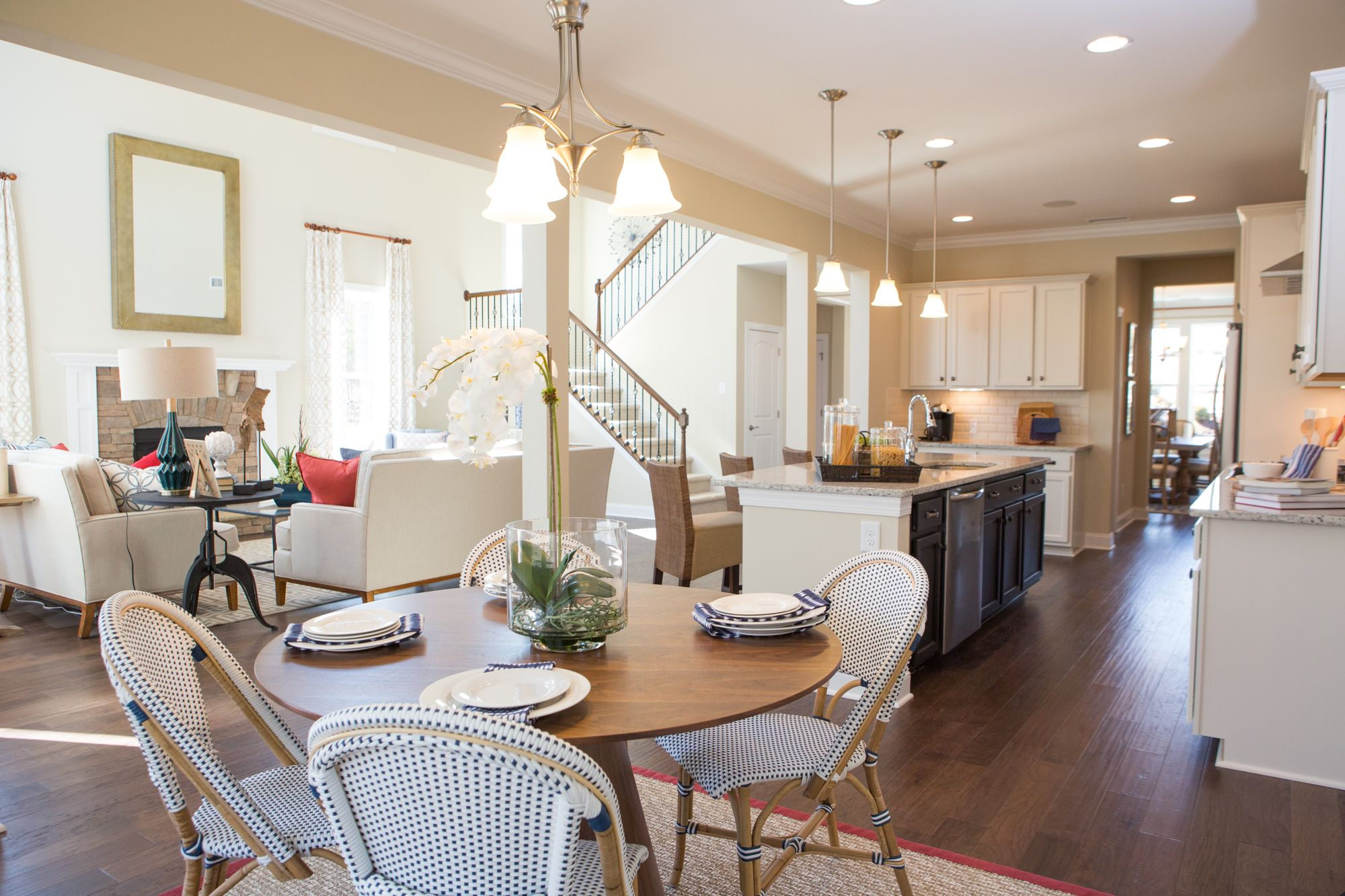 Find our elegantly designed model homes at the Hollybrook
