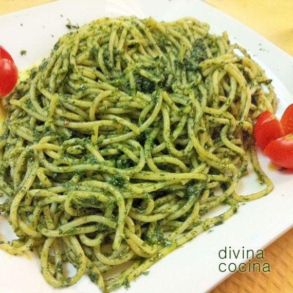 espagueti-al-pesto-en-plato (Absolutamente delicioso)
