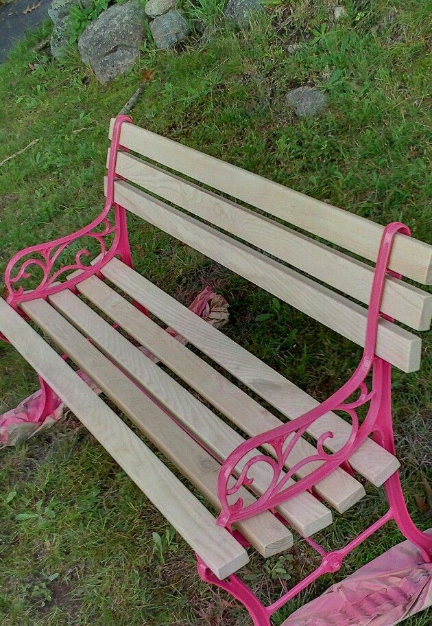 Pink park bench!