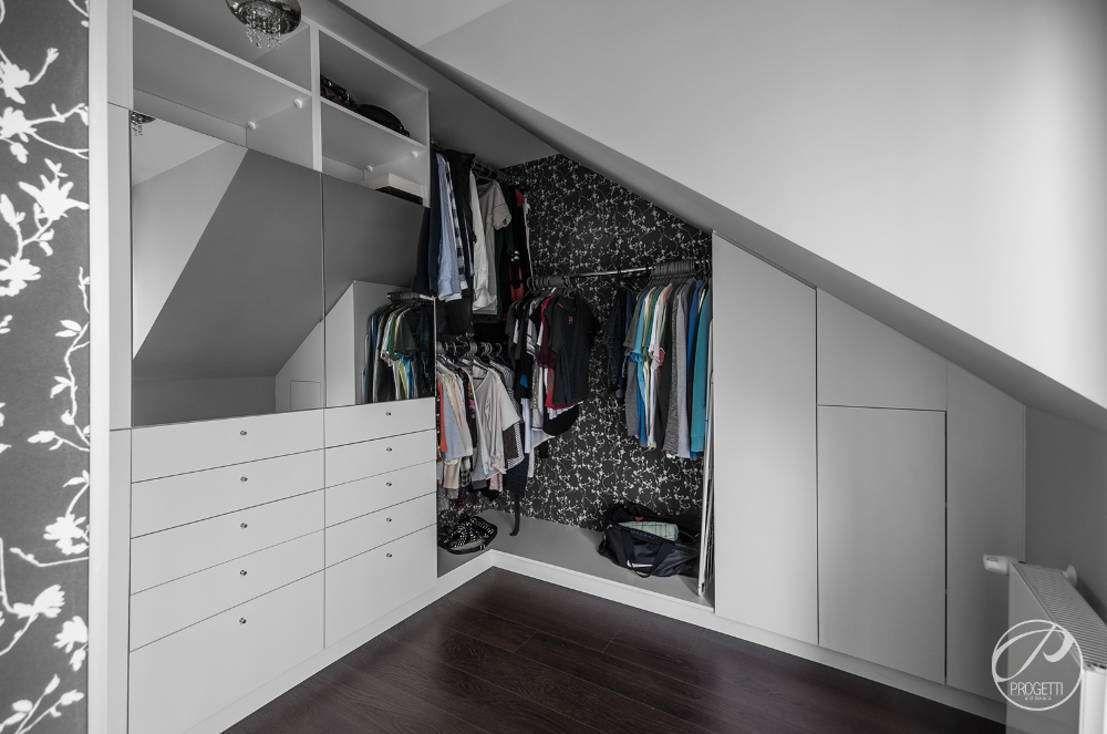 Closets Moderno por Progetti Architektura - homify / Progetti Architektura