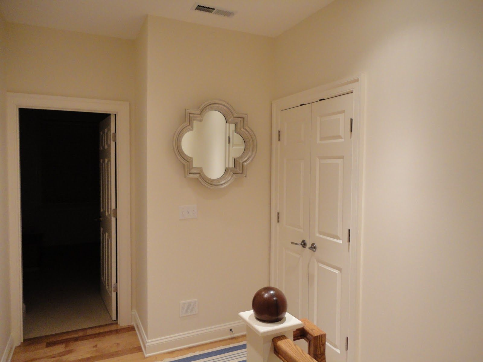 Best Benjamin Moore Navajo White Google Search Benjamin 400 x 300