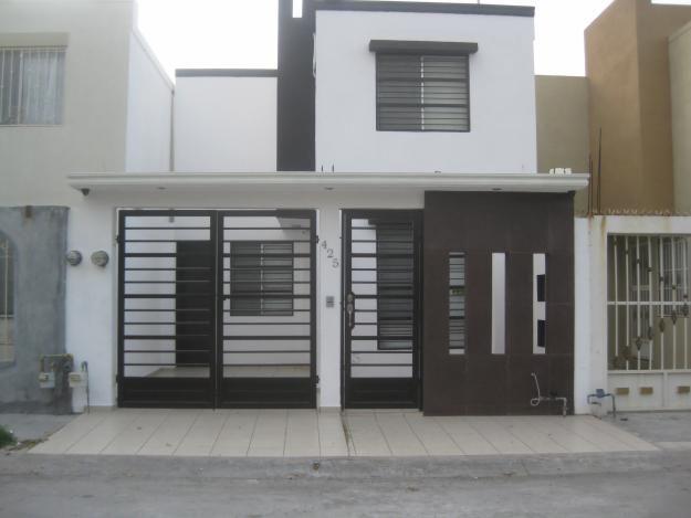 Barandales modernos para 625 469 fachadas for Decoracion balcones modernos