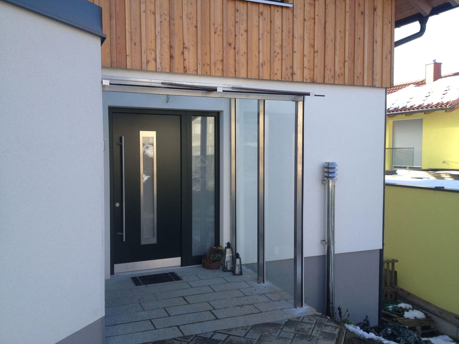 Windschutz Haustüre  - Windschutz Edelstahl & Glas