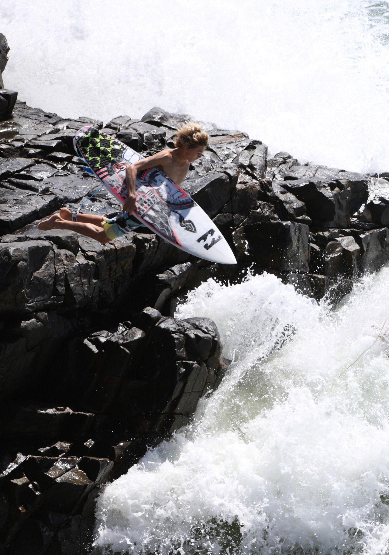nickcallister:  jump off rock