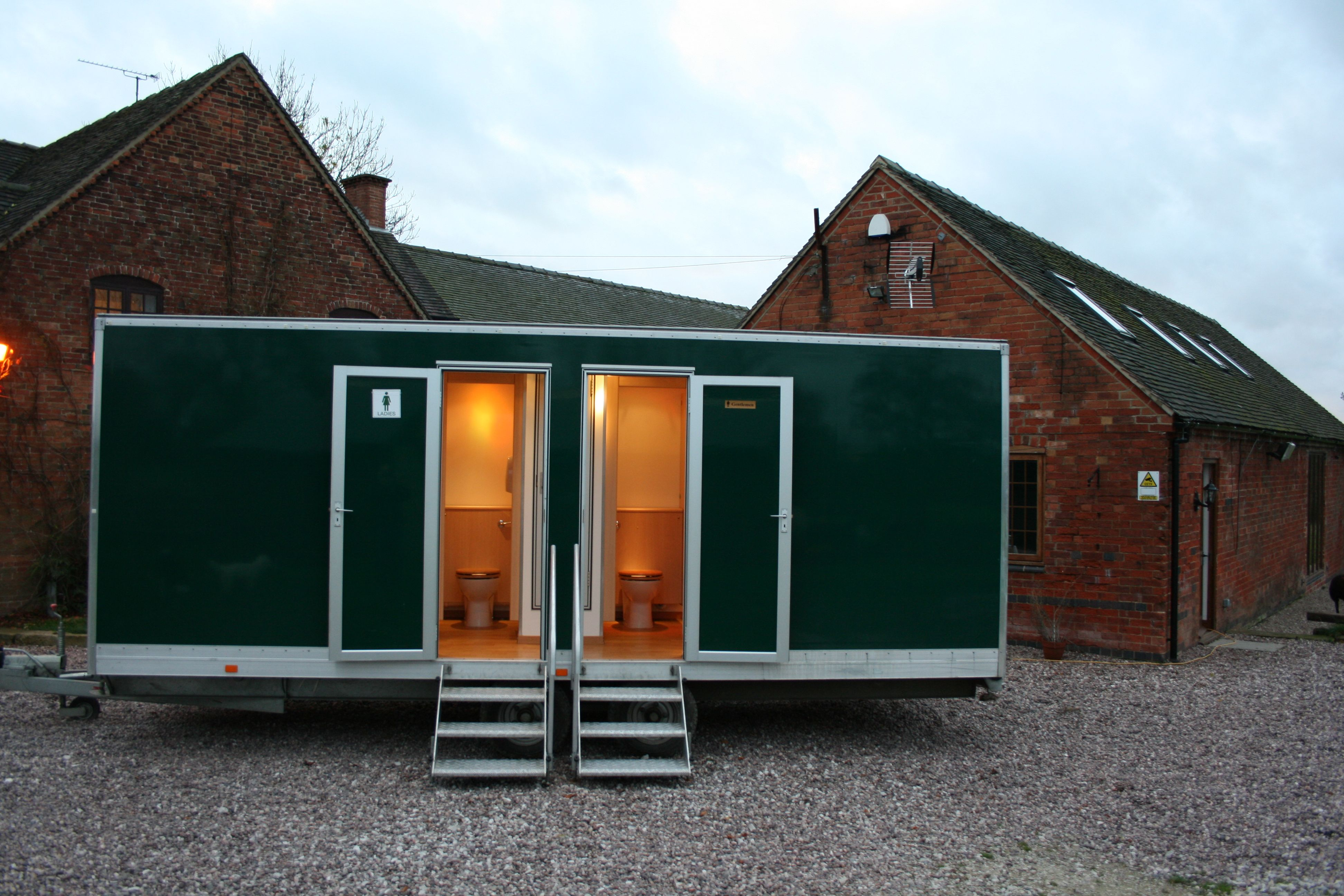 Home portable and luxury toilet hire in