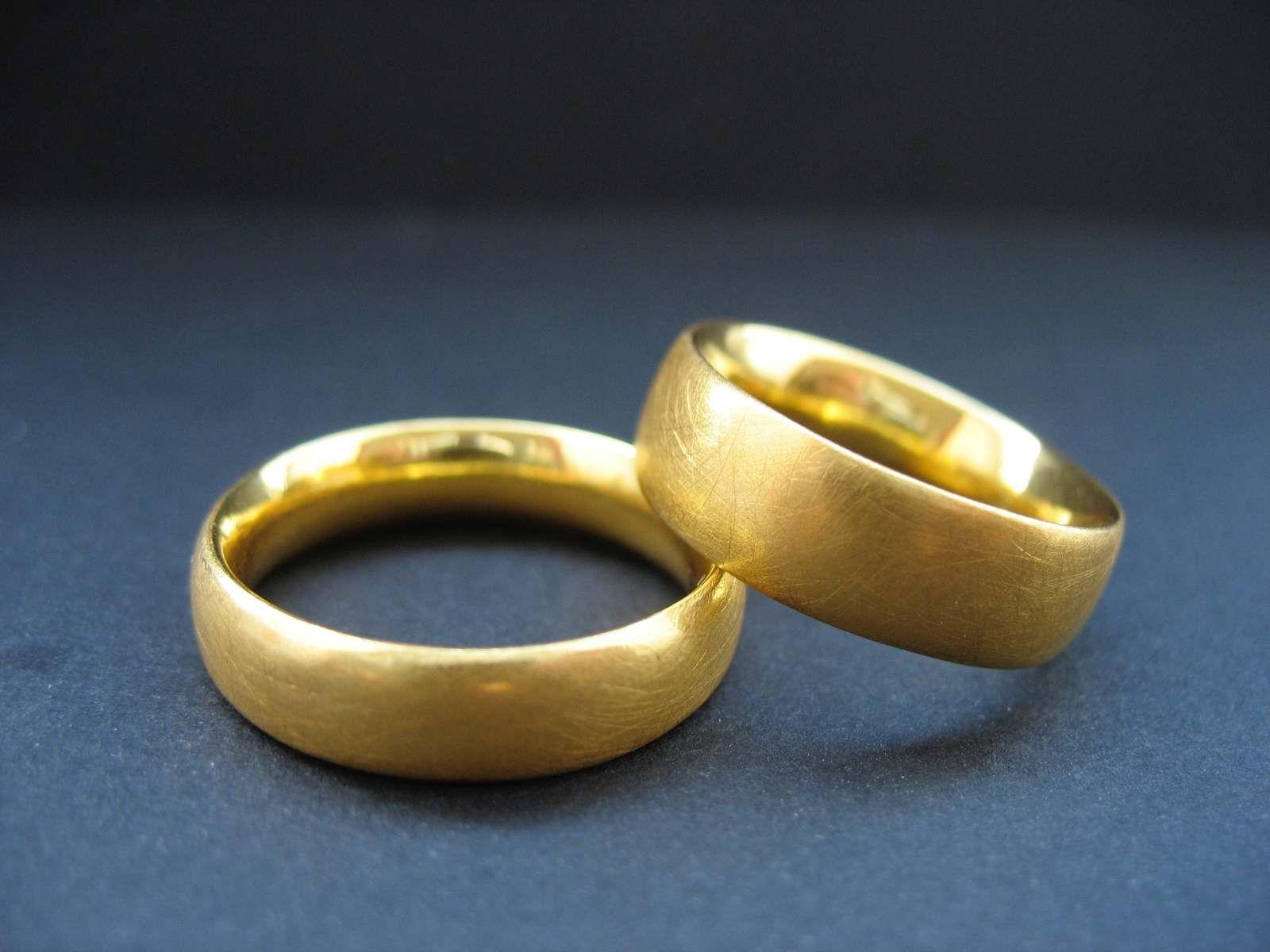 Eheringe Gold matt n°5 - Letizia Plankensteiner – Schmuckunikate