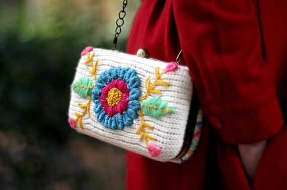 Clutch Flowers   knitted in white and embroidered in by lanusa