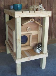 Waterproof Cedar Cat House For Stray Or Outdoor Living Cats Mit
