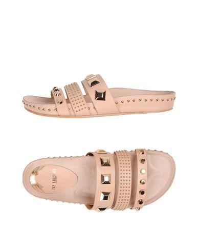 IVY KIRZHNER . #ivykirzhner #shoes #sandals