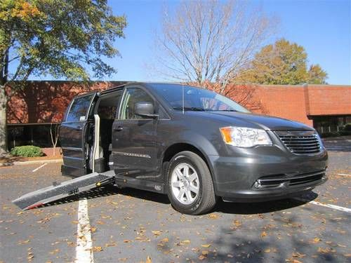 Wheelchair Van Van for sale, Chrysler town, country, Touring