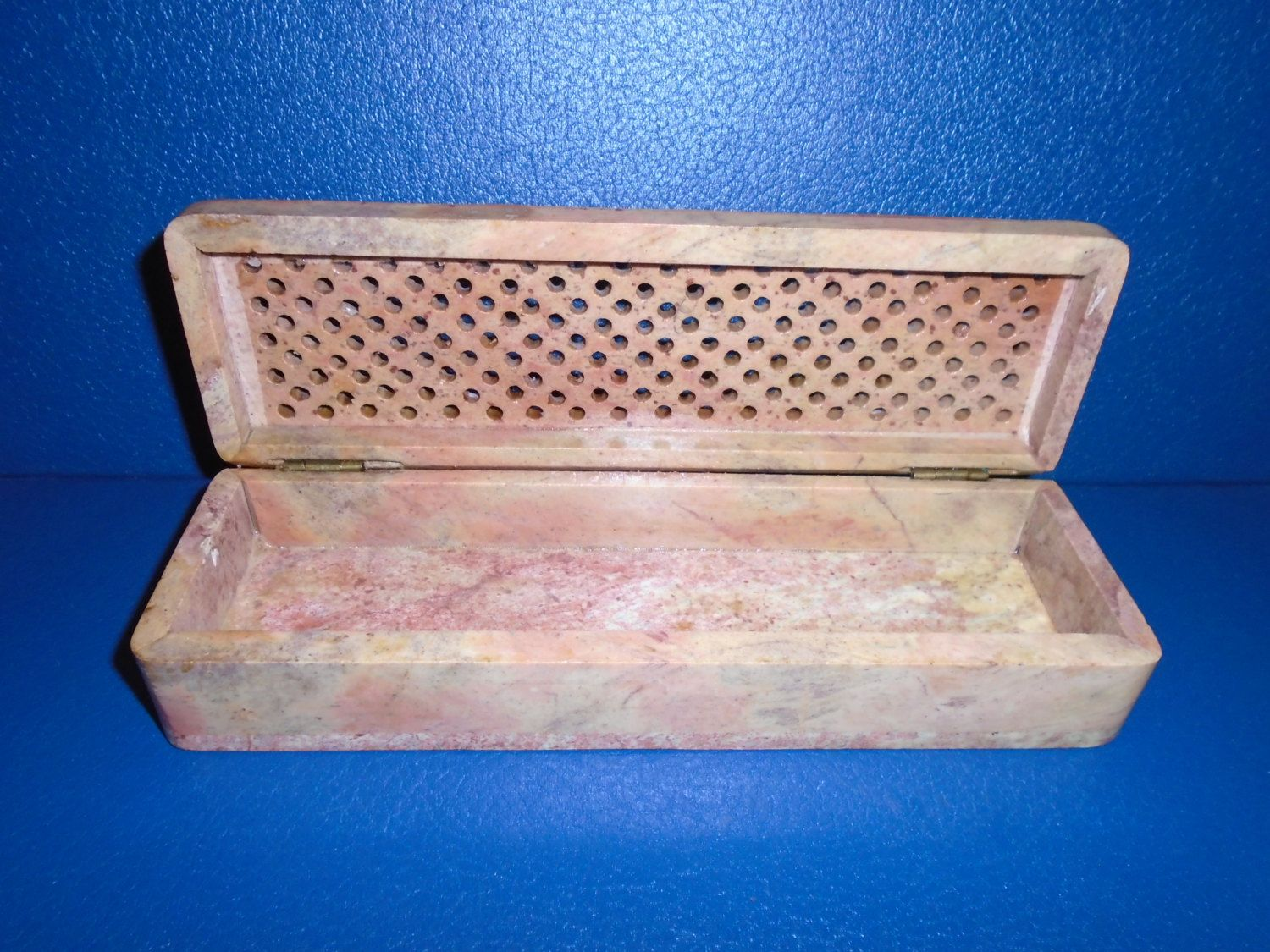 soapstone carved box / soapstone carving / soapstone box / trinket box / bin / storage / box / Carved / Hand carved / by Montyhallsshowcase on Etsy