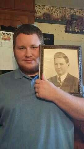 JOE WITH PIC OF DAD 2013