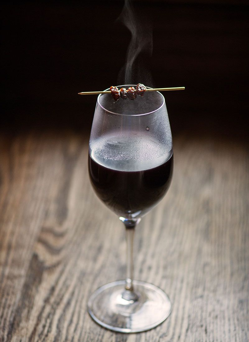 Glogg cocktail recipe (red wine, aquavit, port, brown sugar, cinnamon, cloves, cardamom, star anise, ginger, orange, vanilla) | Photo: Daniel Krieger