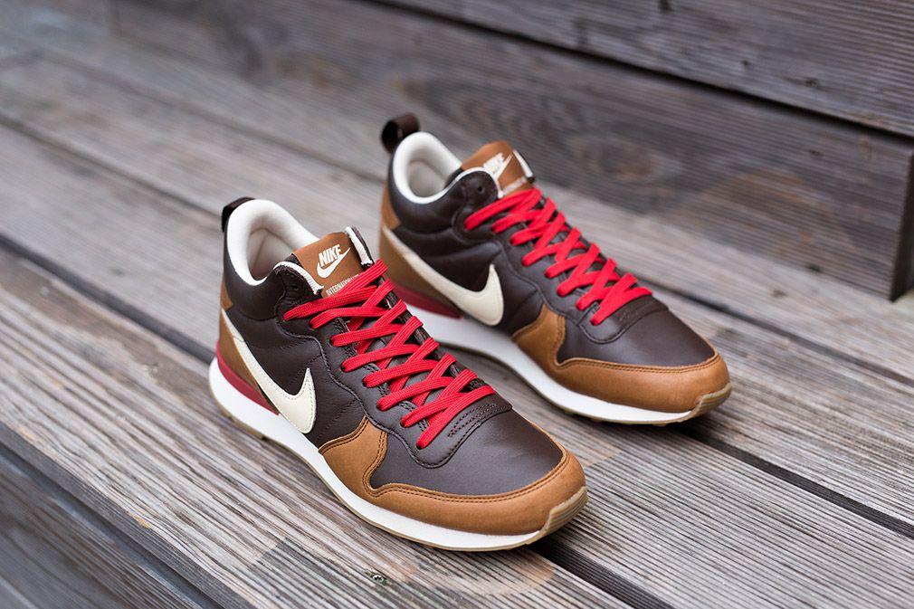 9b619f488afa Nike Internationalist Mid Escape