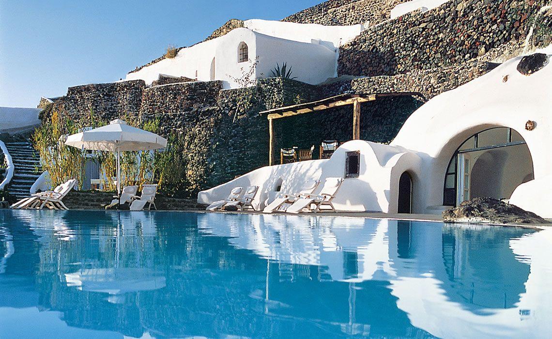 Perivolas santorini luxury hotel santorini greece