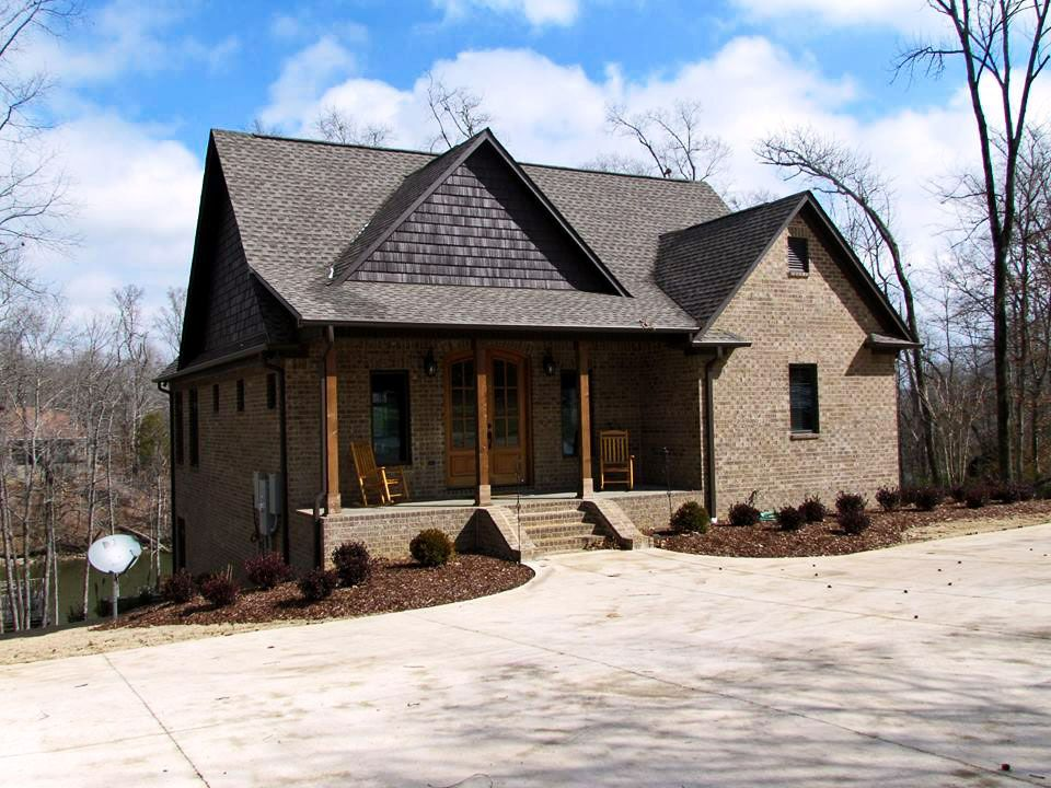 3 bedroom craftsman cottage house plan with porches Craftsman lake house